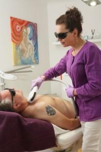 Dauerhafte Haarentfernung für Männer bei Schöner Körper-the easy way of beauty